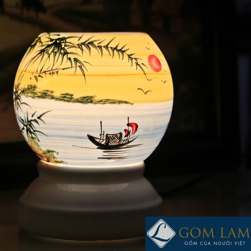 Đèn xông tinh dầu tròn vẽ đồng quê Bát Tràng