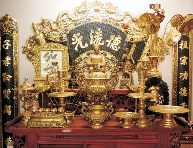 Đồ thờ bằng đồng cần chăm sóc, vệ sinh thường xuyên