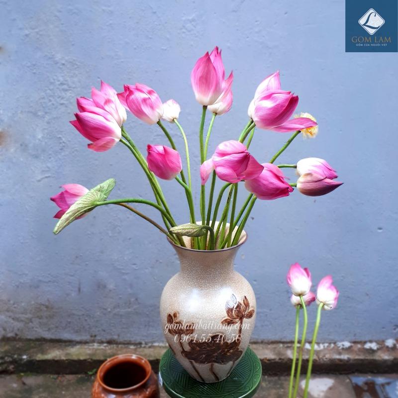 Lọ hoa khắc nổi xoài nhỏ vàng vẽ nâu Gốm Lam Bát Tràng cắm hoa sen đẹp