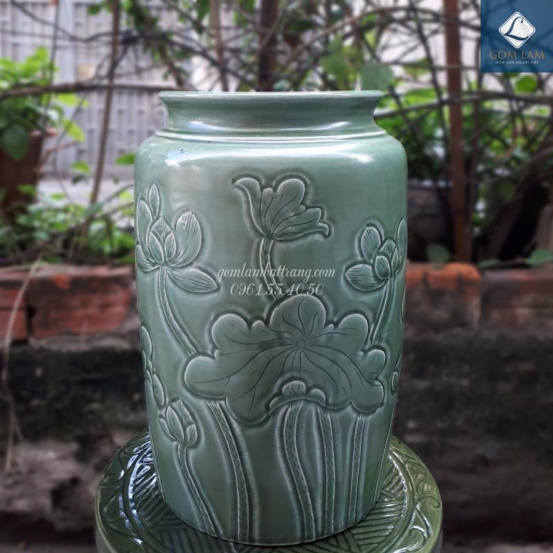 Lọ hoa khắc nổi ống S1 xanh ngọc Gốm Lam Bát Tràng